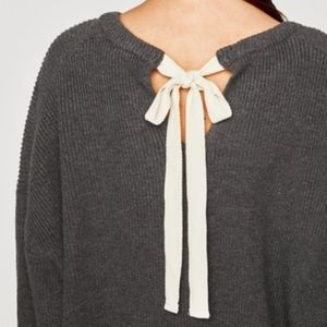 BLACK Cropped Zara sweater with back bow